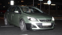 Opel Astra facelift spied at night almost undisguised