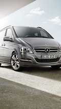 Mercedes Viano Pearl introduced in Geneva