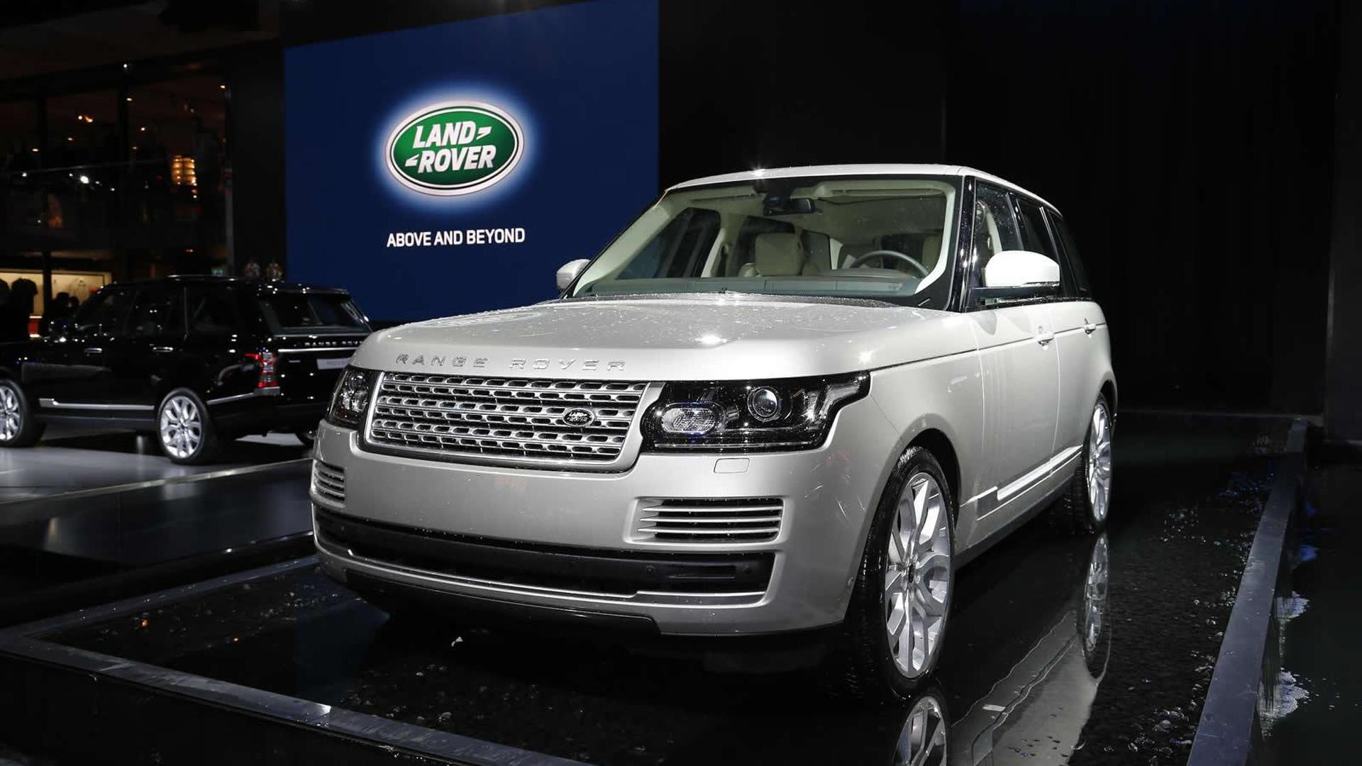 2013 Range Rover grabs Paris attention