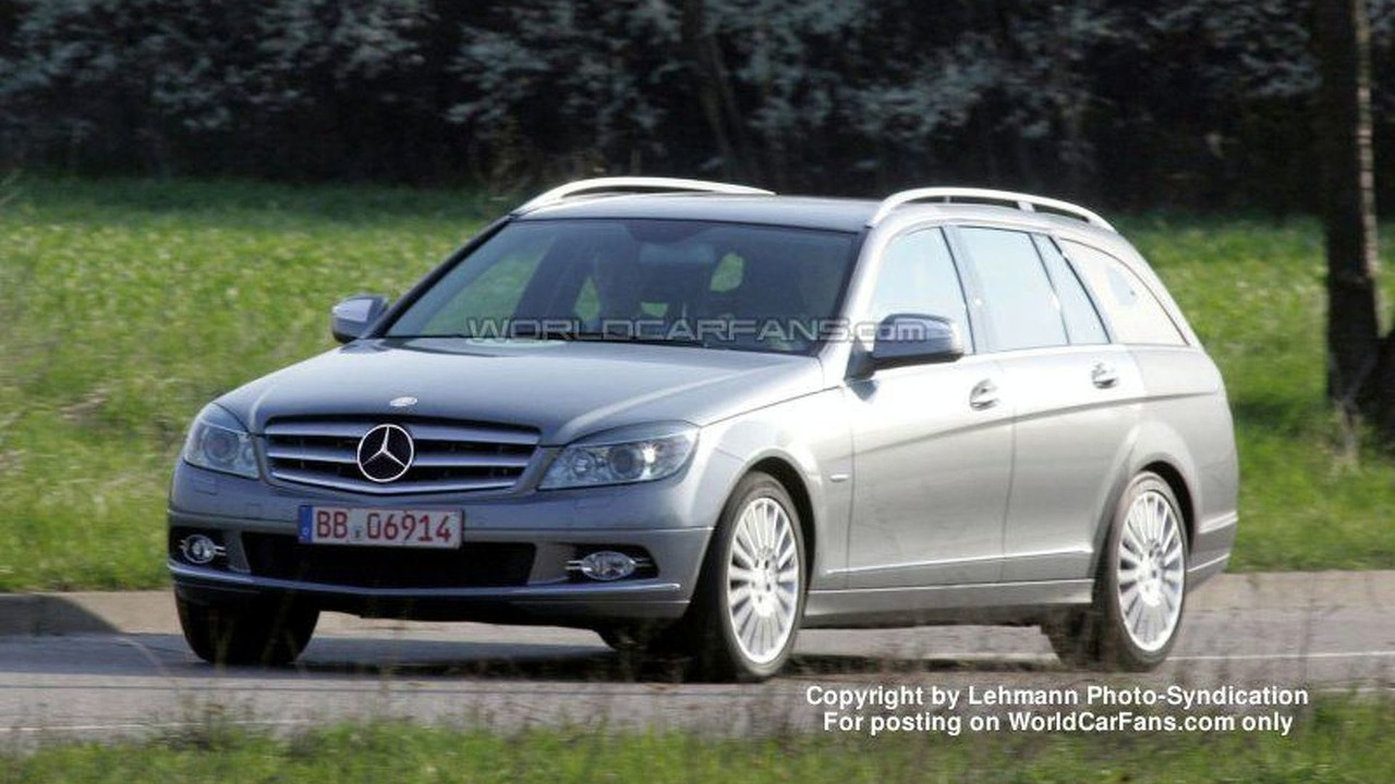 SPY PHOTOS: Mercedes C-Class Station Wagon
