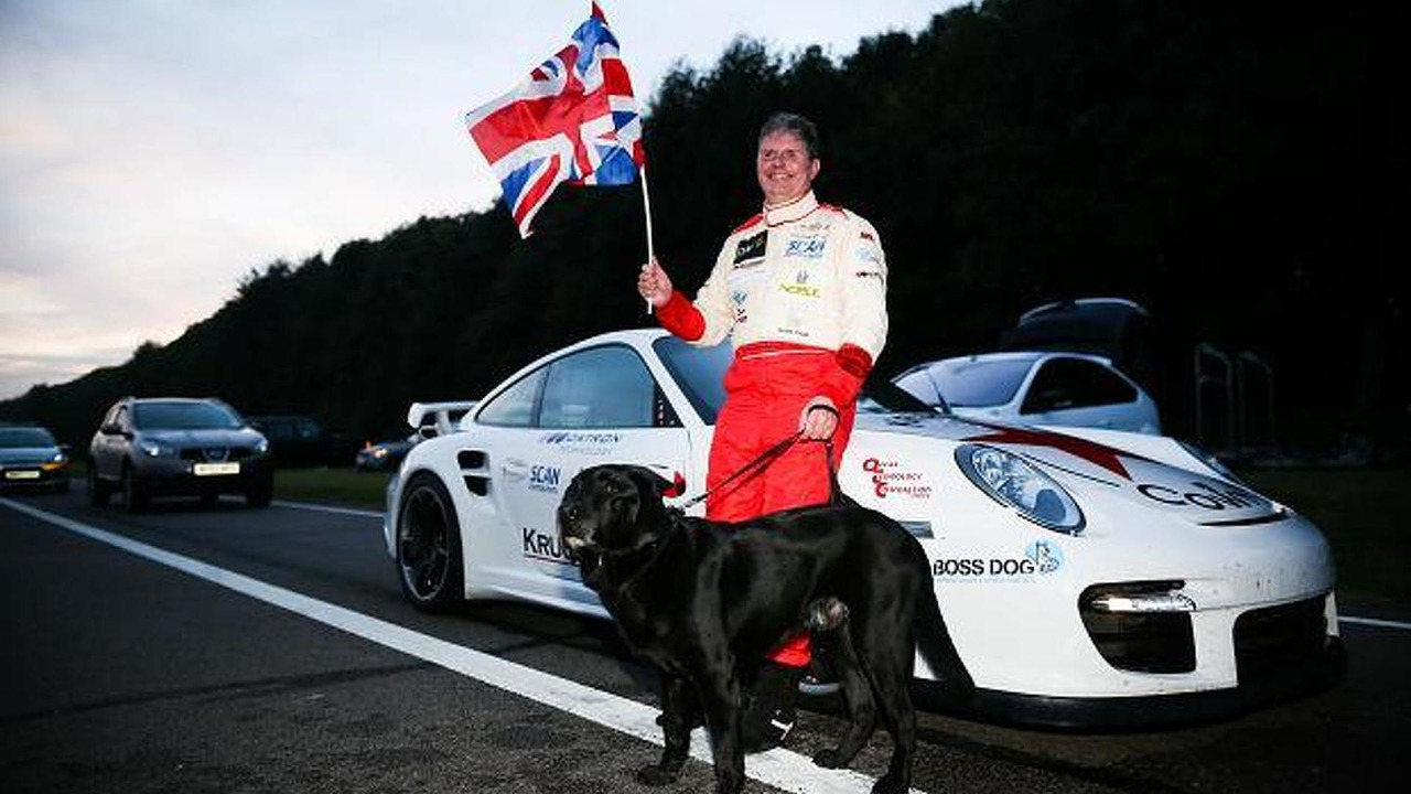 Mike Newman sets land speed record for blind driver 07.10.2013