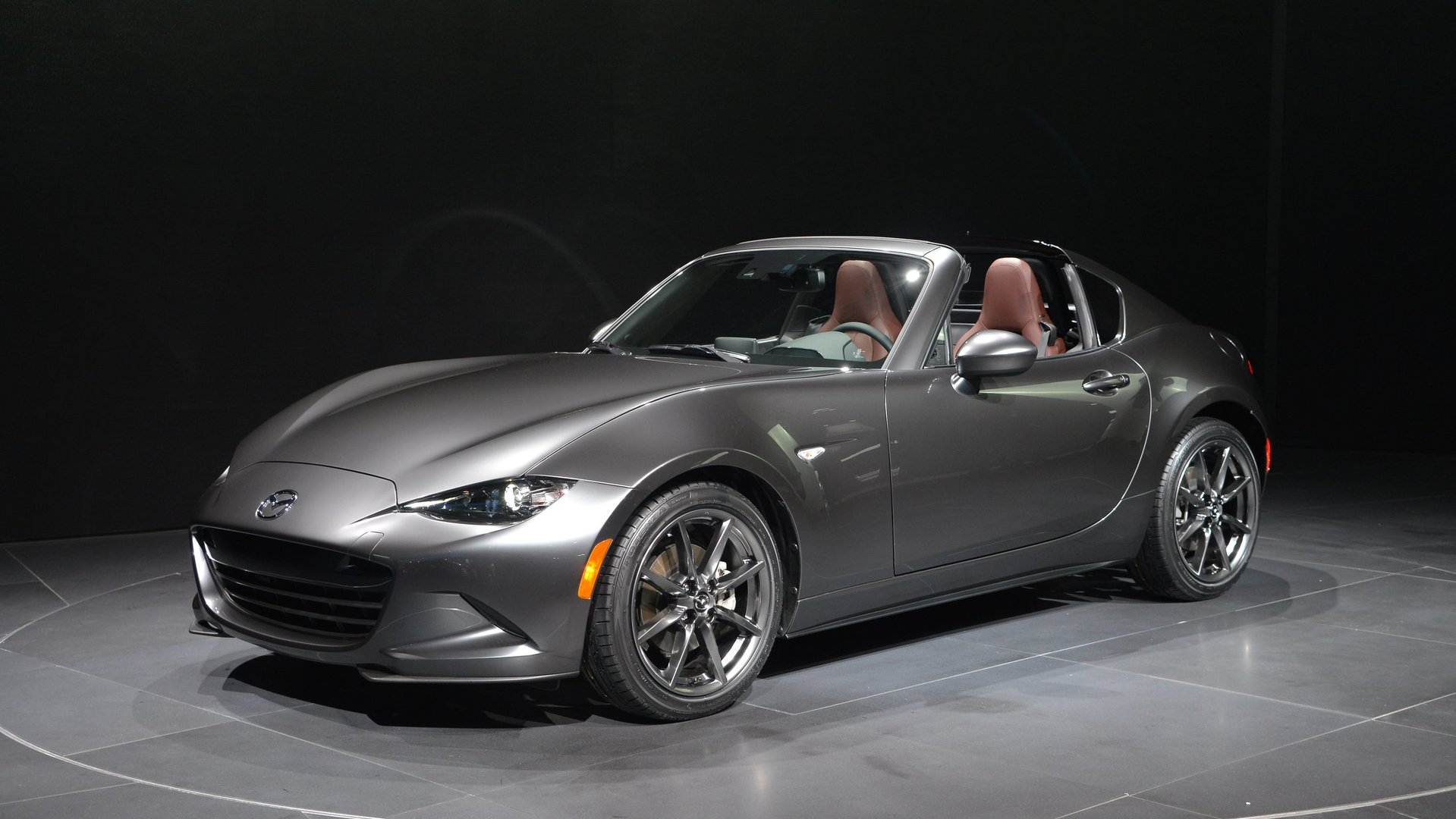 mazda mx 5 rf arrives in new york with retractable hardtop. Black Bedroom Furniture Sets. Home Design Ideas