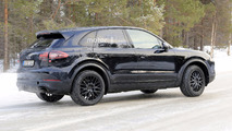2018 Porsche Cayenne spy photo