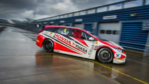 2014 Honda Civic Tourer BTCC shown in the metal
