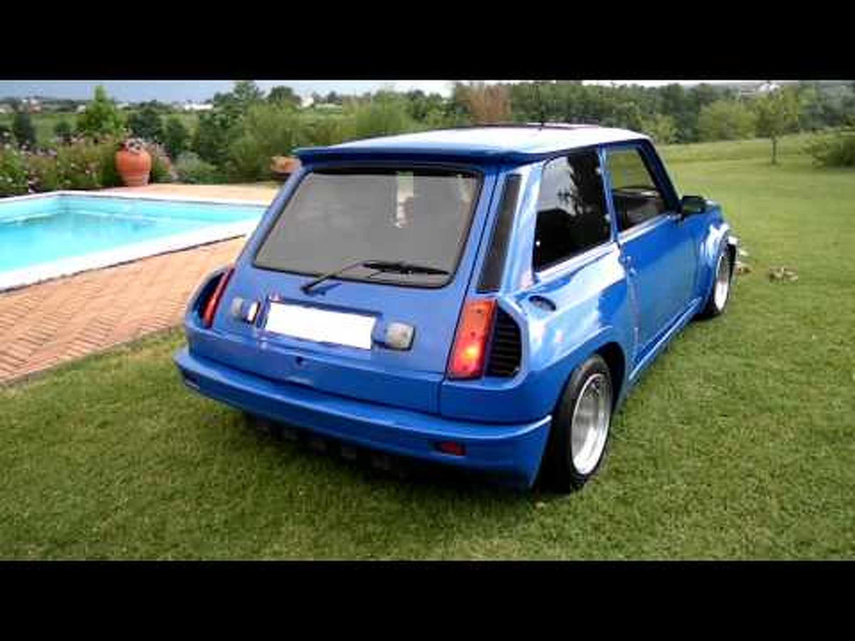 SAM_7225 KIT MAXI TURBO2 RENAULT 5 R5 ALPINE TURBO 1983 ESTERNO INTERNO.mov