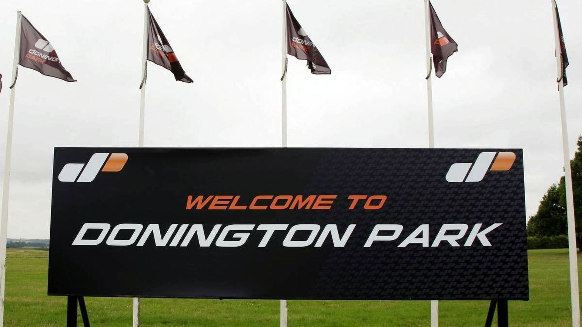 Donington still hoping to sell circuit lease