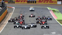 Start: Felipe Massa, Williams FW37 leads