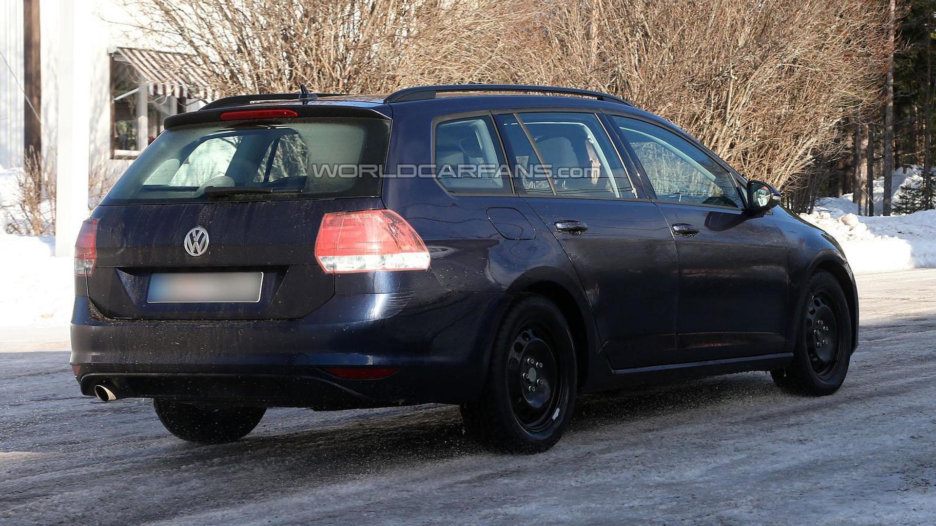 2014 Volkswagen Golf Estate spied virtually undisguised