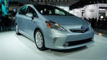 Toyota Prius v Concept live in Detroit 10.01.2011