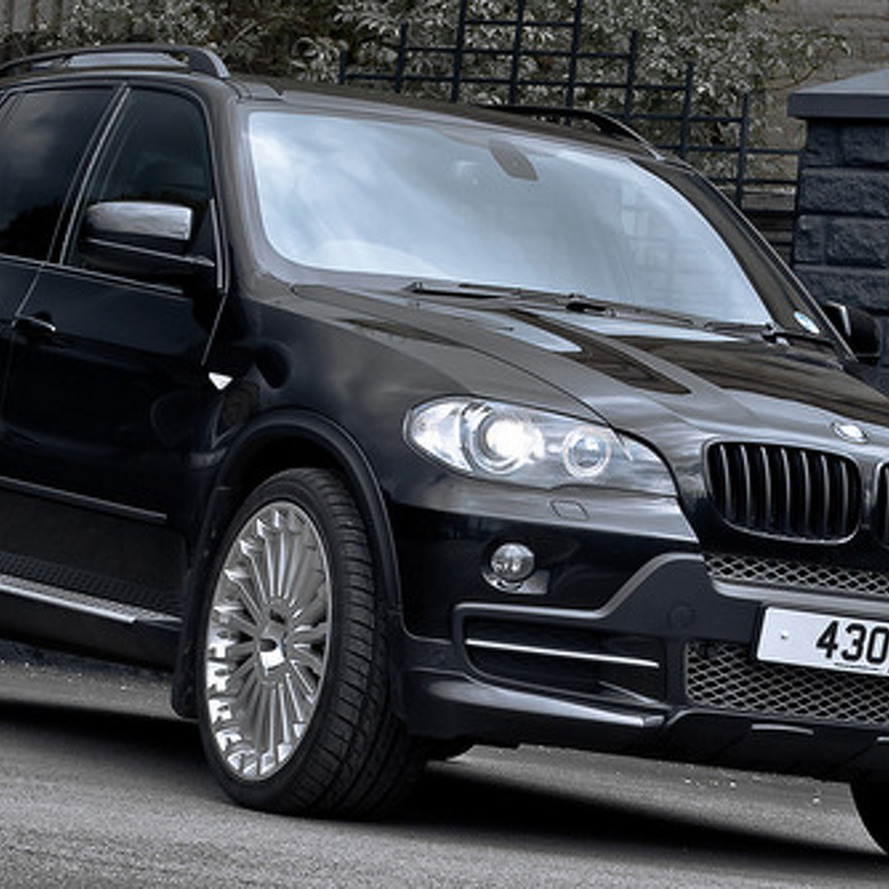 Kahn Design X5 proves CUSTOM does not equal GAUDY