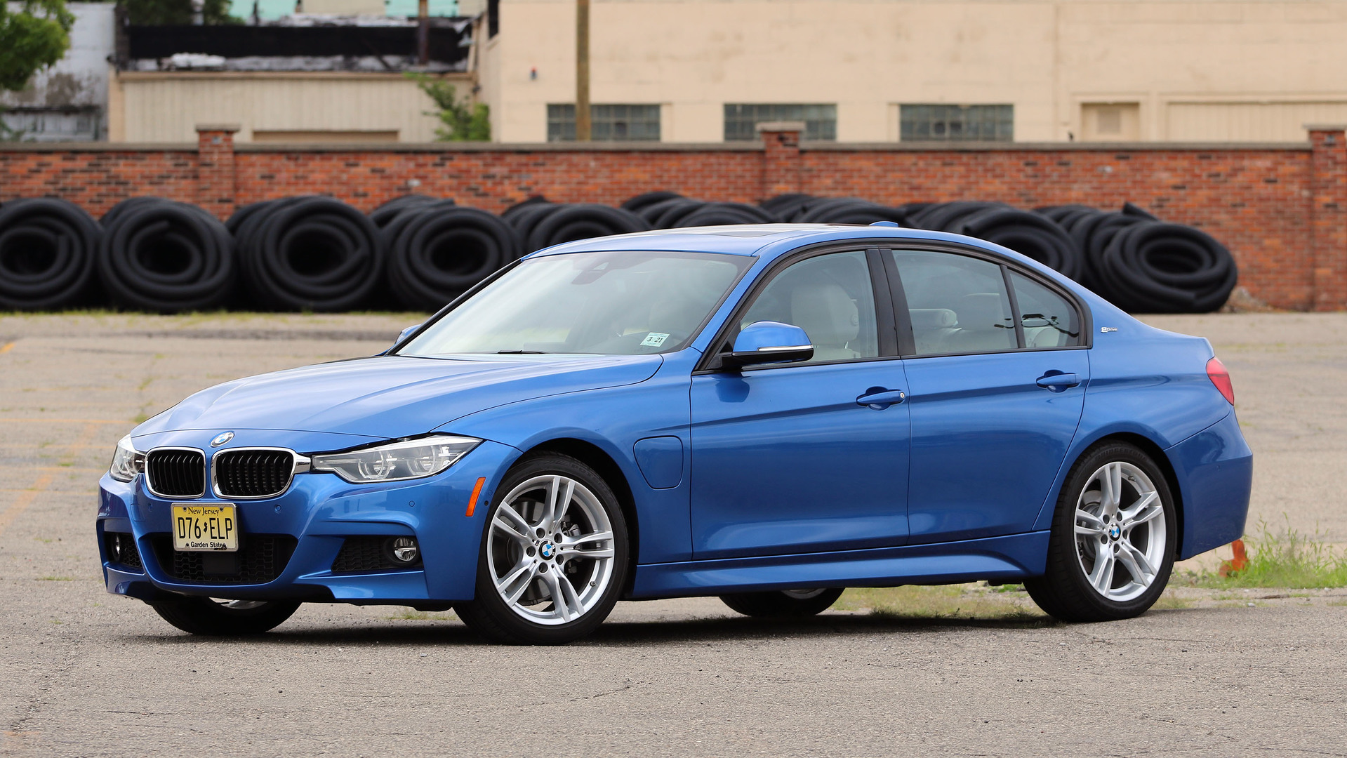 Review 2016 Bmw 330e