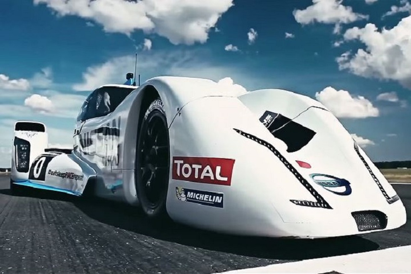 Watch the 750HP Nissan Zeod RC Burn Up The 'Top Gear' Track [Video]