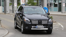 2015 Mercedes M-Class facelift spy photo