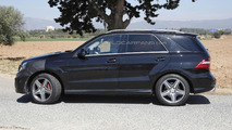 2015 Mercedes-Benz ML 63 AMG facelift spy photo