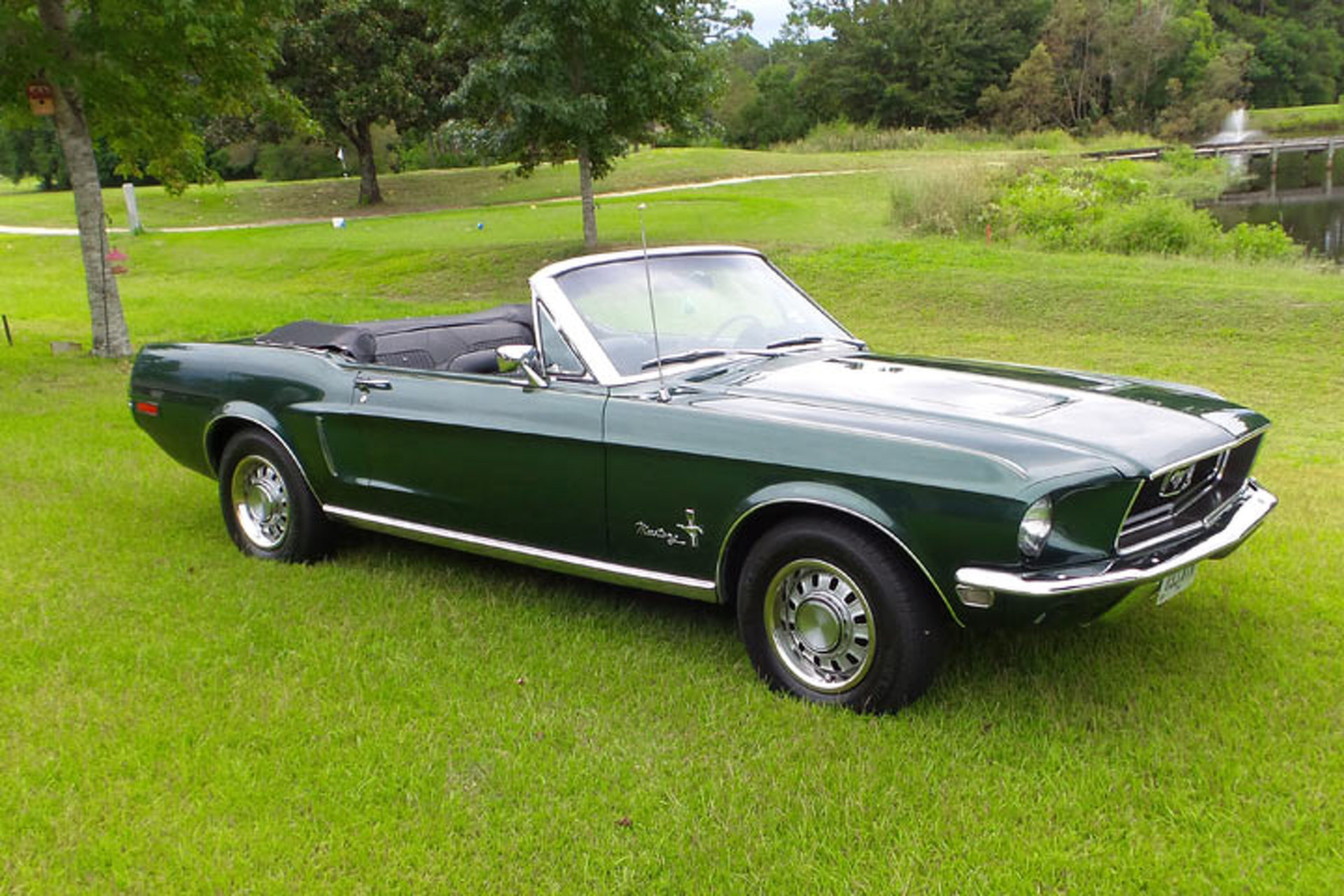 your ride fred s gorgeous 68 mustang convertible. Black Bedroom Furniture Sets. Home Design Ideas