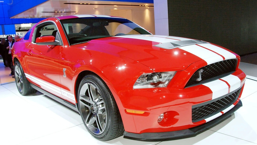 Ford Shelby GT500 video - taking it slow