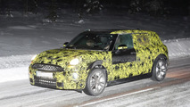 2015 MINI Clubman spied winter testing at the Arctic Circle with different navigation screen