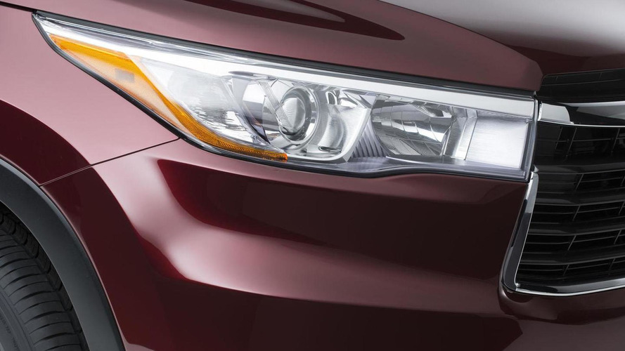 2014 Toyota Highlander teased