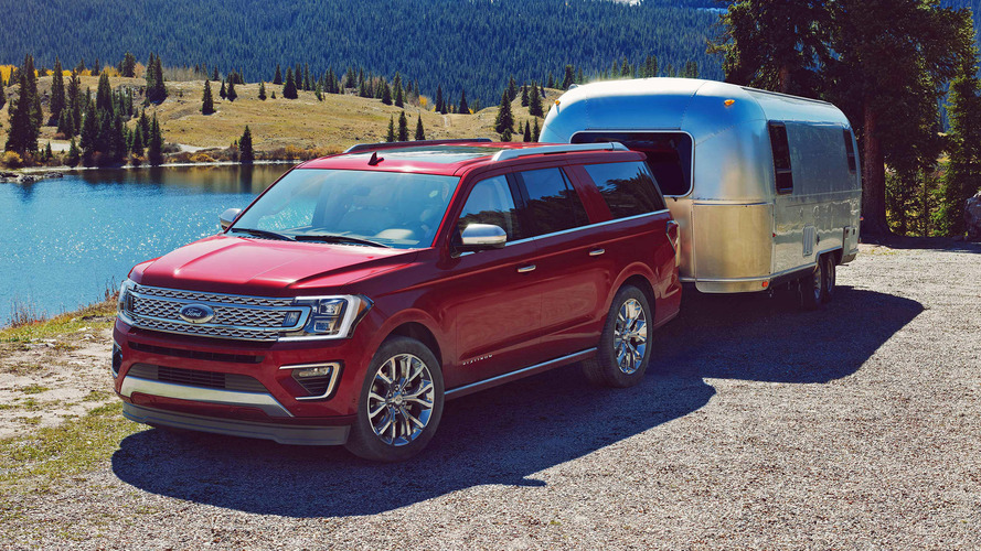 How does the 2018 Ford Expedition compare to the Chevy Tahoe?