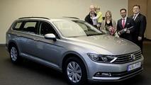 Volkswagen delivers the first 2015 Passat