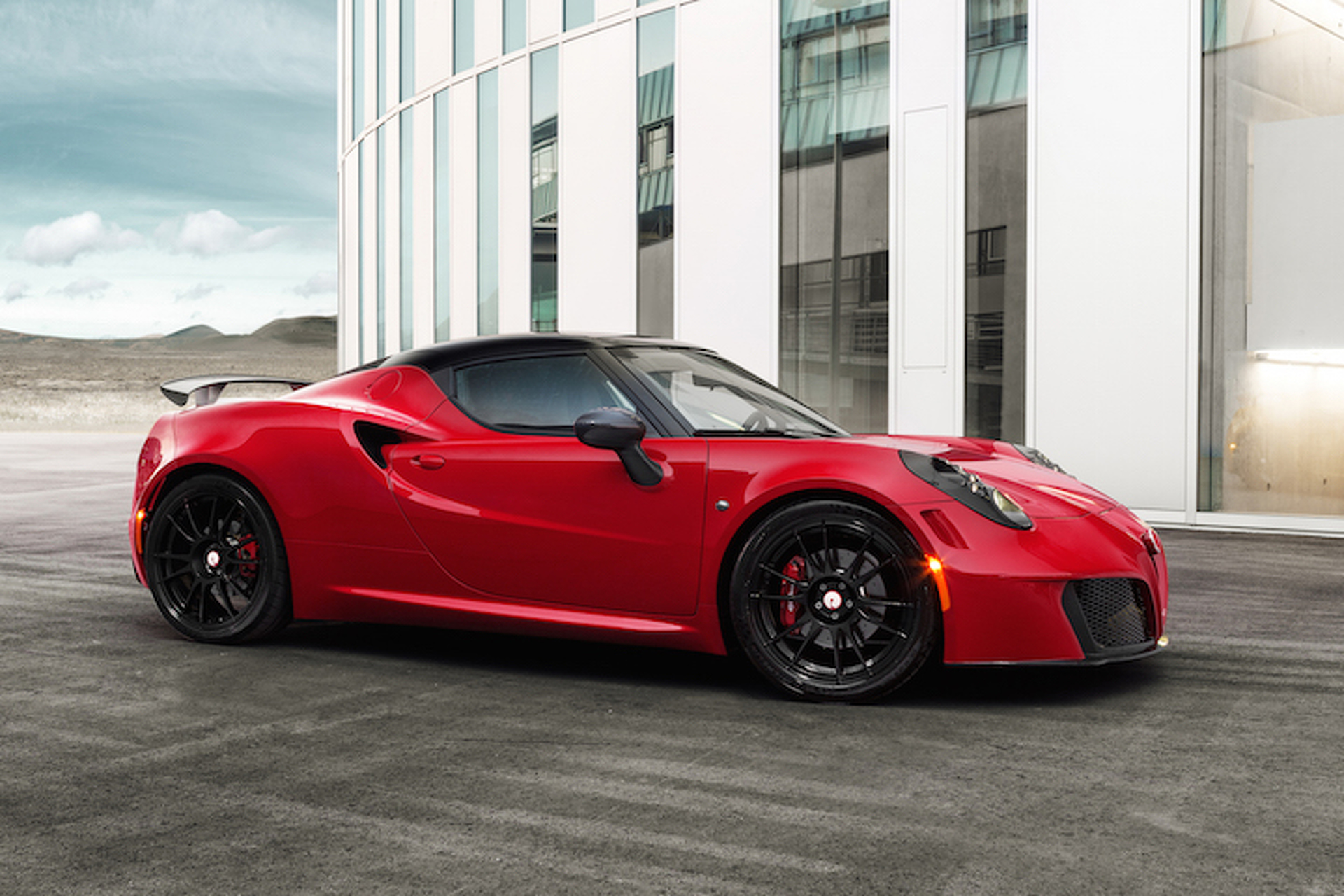 Italian Stallions: Alfa 4C and Fiat 500 Abarth Get Racy Upgrades from Pogea