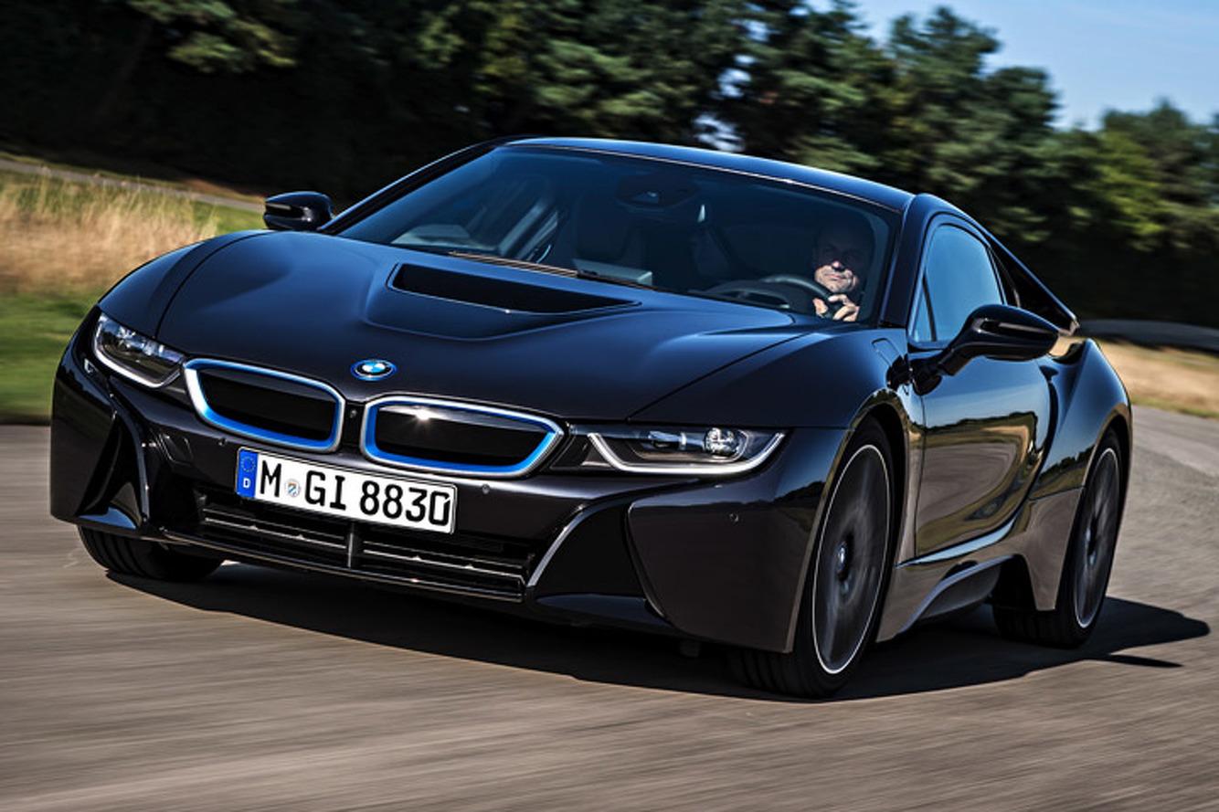 BMW i8 Defies