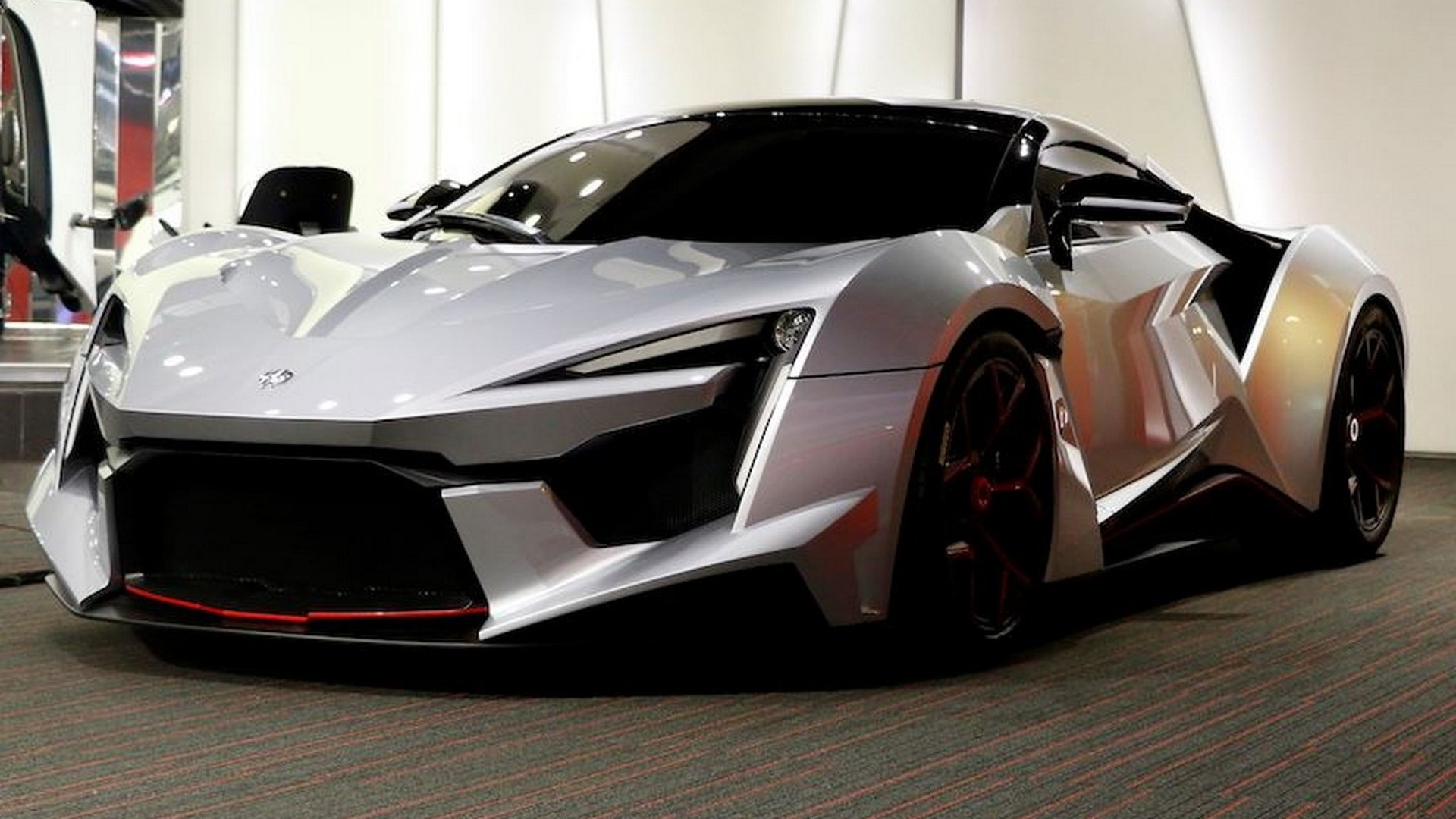 A closer look at the Fenyr SuperSport in live pics