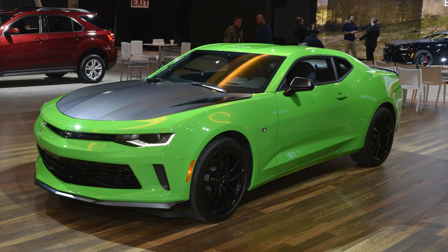 2017 Chevy Camaro 1LE powers into Chicago