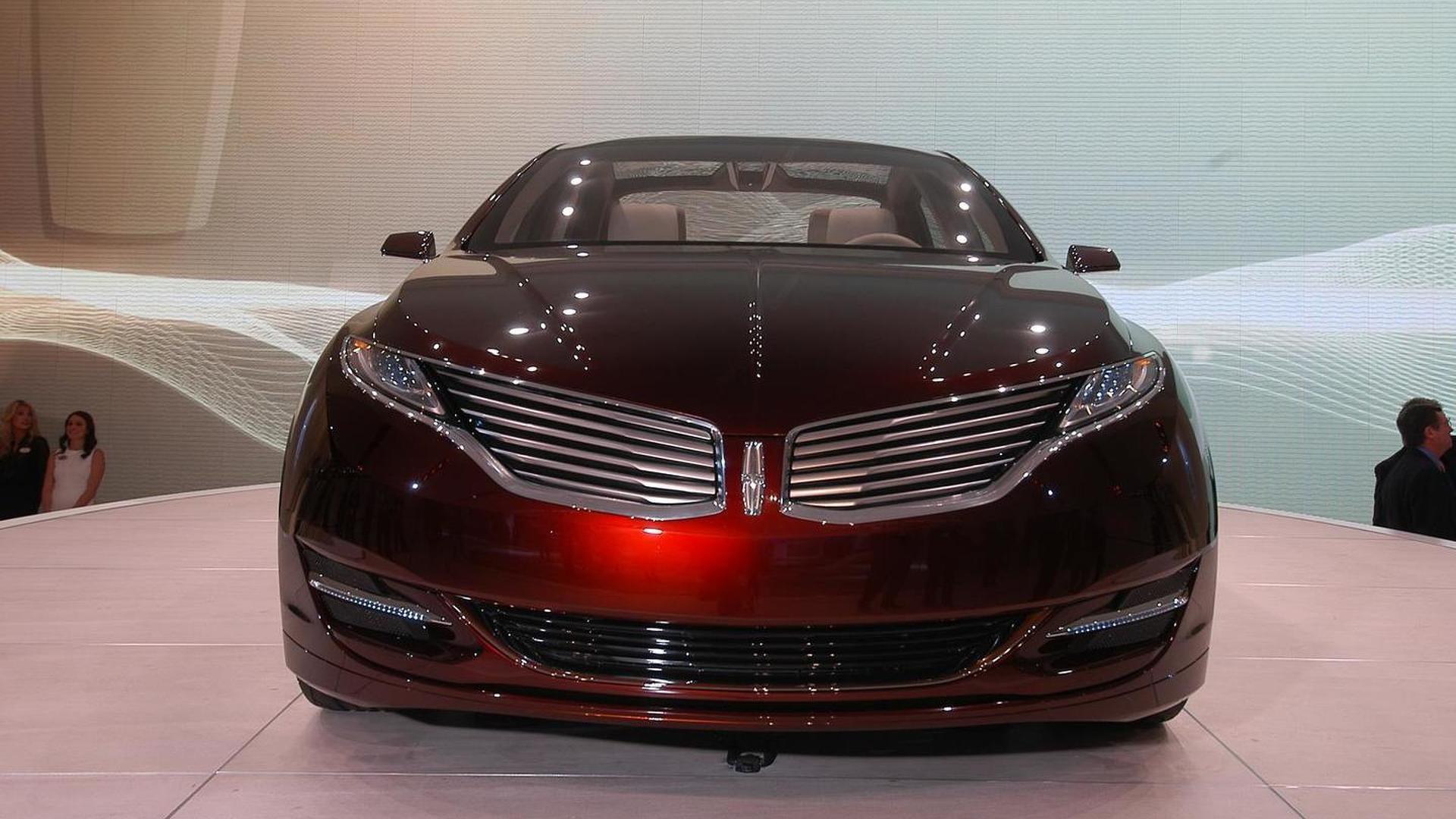 Lincoln MKZ Concept literally smokes on show floor [video]