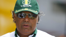 Report - F1 team Lotus loses support of Chapman family