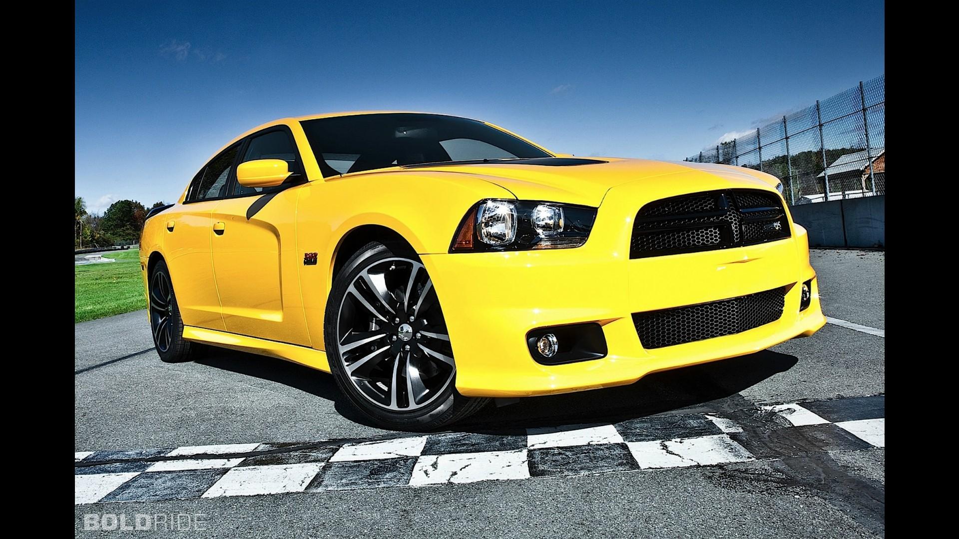Dodge charger srt8  № 3813543 без смс