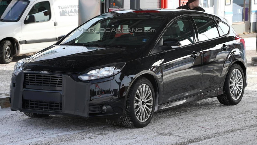 Ford Focus RS coming next year with 330 bhp - report