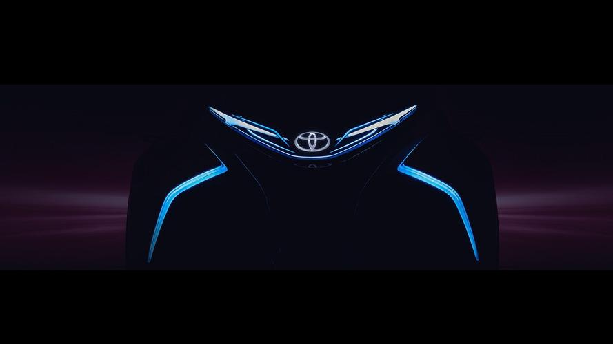Toyota i-TRIL concept leans into corners en route to Geneva