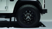 Land Rover prepares black and silver packs for the Defender