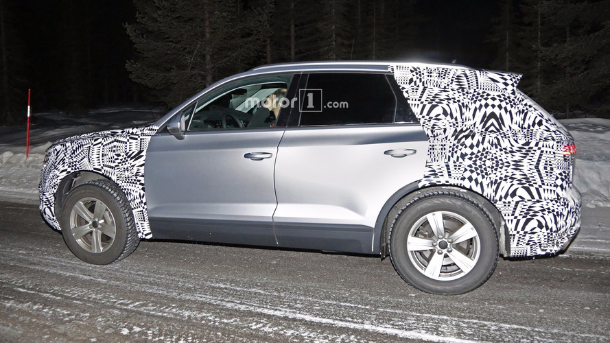 2018 vw touareg spied with less camouflage than ever