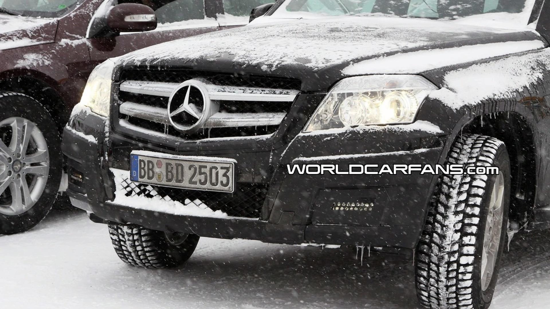 Mercedes GLK Caught with LED Daytime Lights