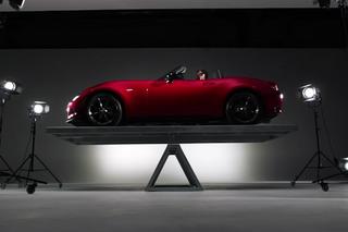 2016 Mazda MX-5 Miata Shows Off Perfect 50/50 Weight Balance