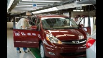Após terremoto, montadoras japonesas paralisam produção