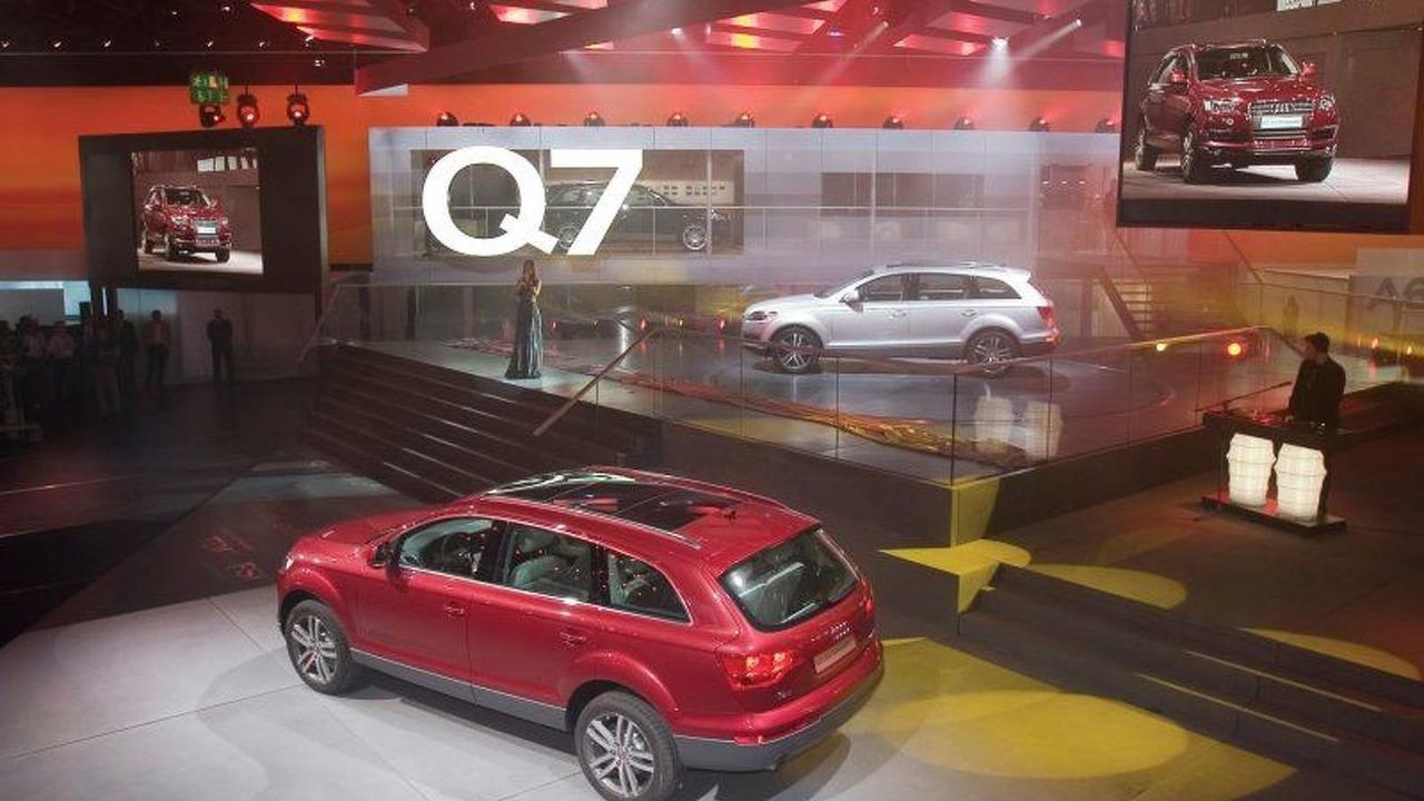 Audi Q7 premiere at IAA Frankfurt 2005