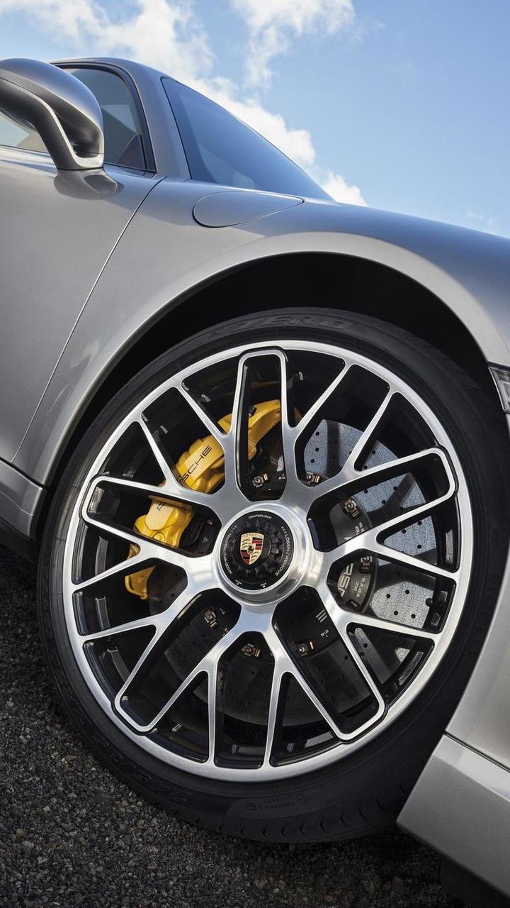 2014 Porsche 911 Turbo S 03.05.2013