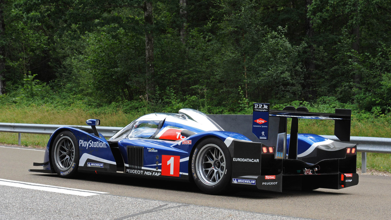peugeot 908 le mans prototype expected to fetch 1 3 1 8. Black Bedroom Furniture Sets. Home Design Ideas