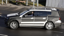 2013 Mercedes GL with AMG package spy photo 2.2.2012
