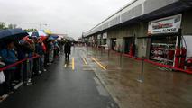 It's raining in Montreal on Saturday morning