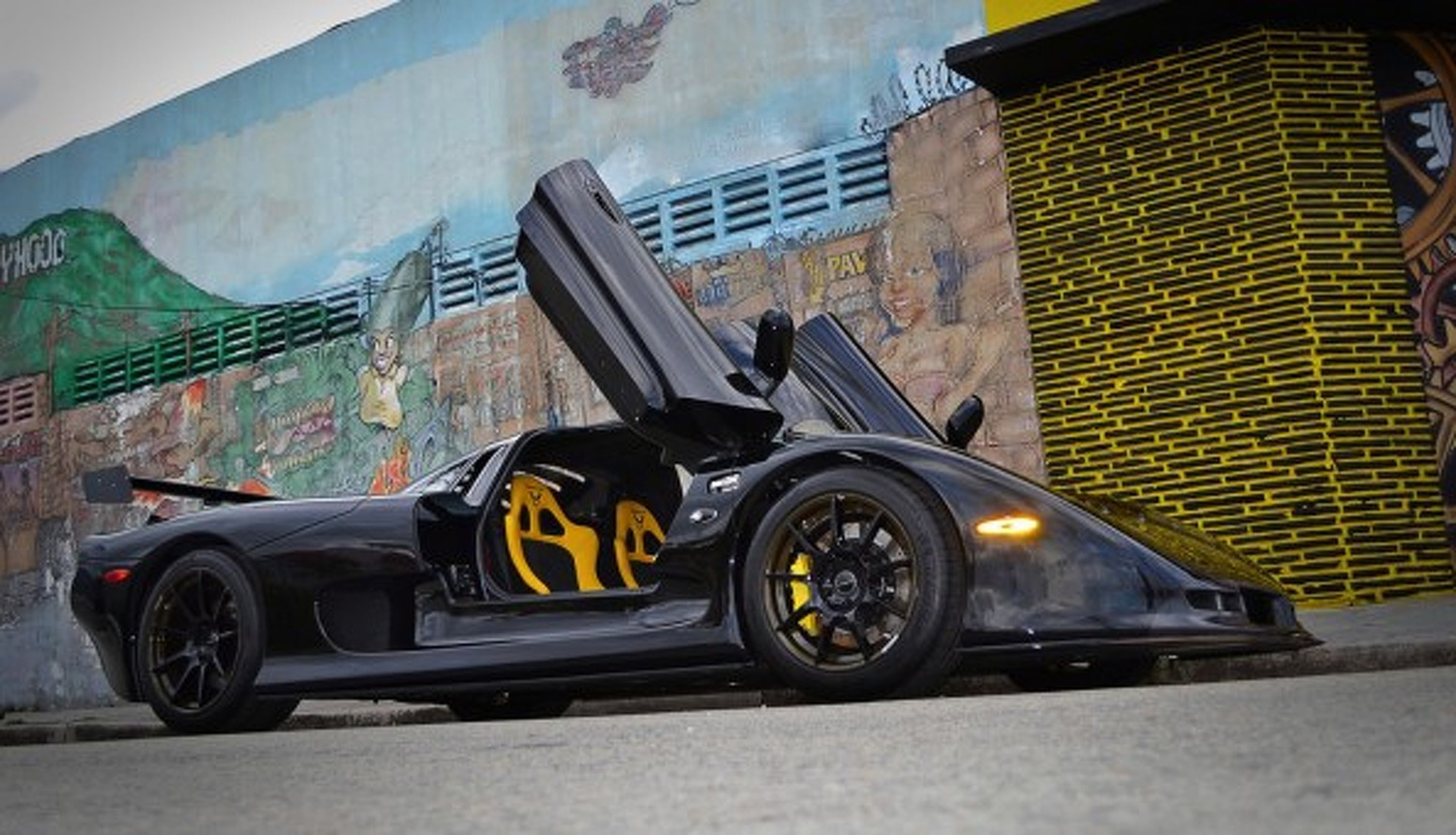 Mosler RaptorGTR Will Rip the Face Off of One Lucky Owner