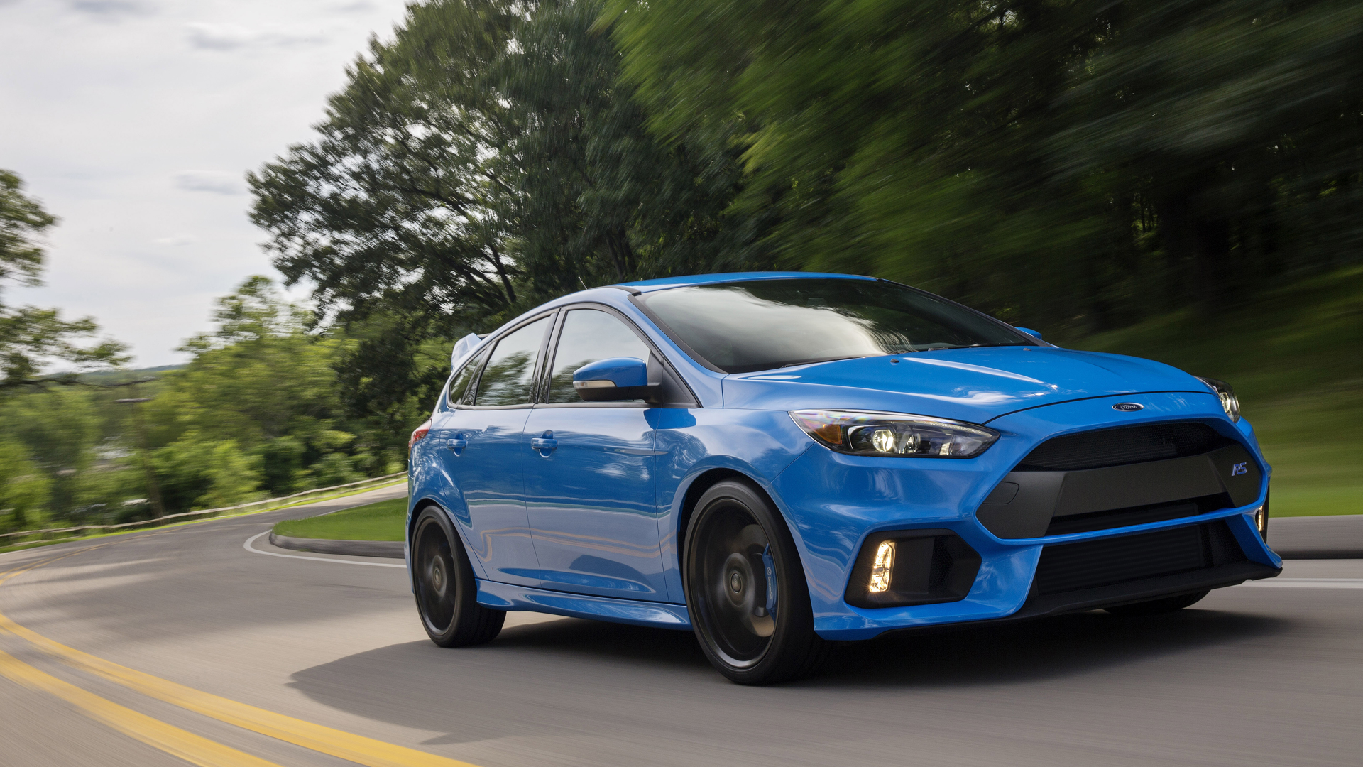 синий автомобиль ford focus rs  № 215615 загрузить