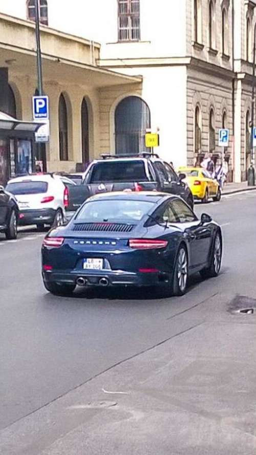 Undisguised Porsche 911 facelift spotted in Prague