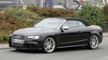 Audi RS5 Cabrio spied for the first time
