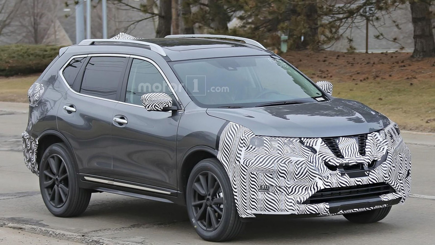 2017 Nissan Rogue facelift spied with a Murano-inspired grille