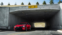 2015 Toyota Camry unveiled, features Avalon-inspired styling [video]