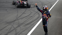 FIA summons Vettel after title 'donuts' [RESULTS & VIDEO]